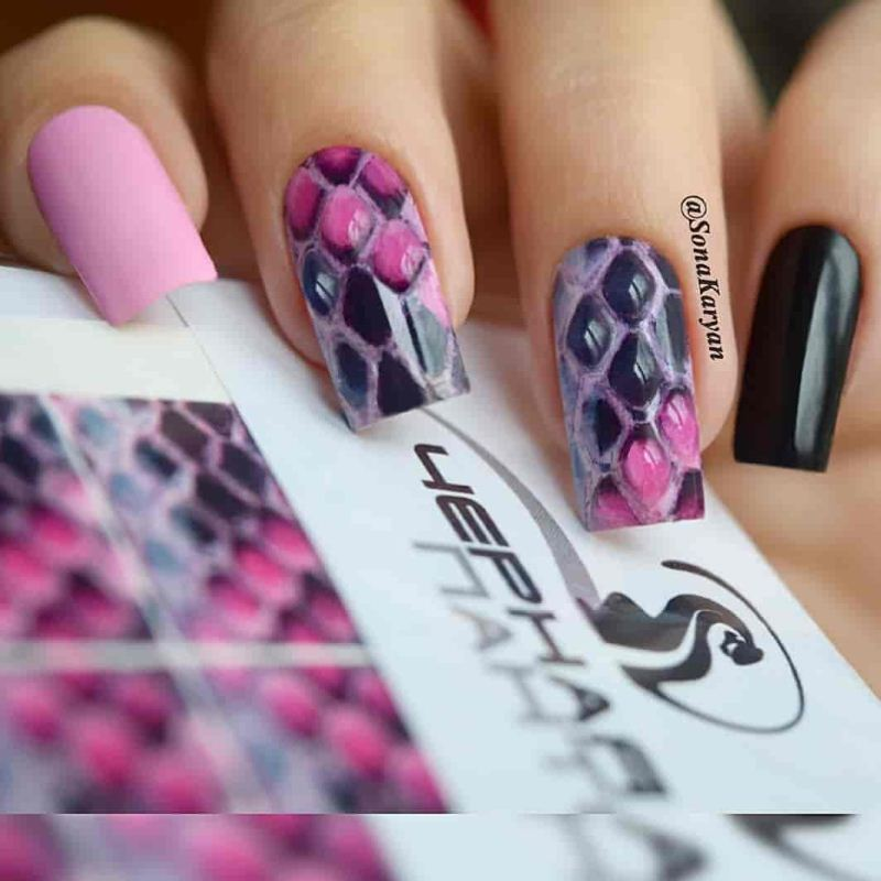 Decal nail sticker Pink snake